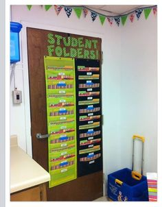 Innovative Ways to Organize Take Home Folders for Your Classroom is part of Elementary classroom decor - school relationship Organize take home folders with these ideas! Classroom Setup, Classroom Design, Classroom Setting, Kindergarten Classroom, Future Classroom, Classroom Cubbies, Classroom Board, Classroom Projects, Bulletin Board