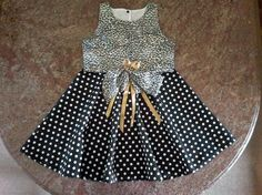 Bolinhas em festa!  Adaptação de molde de vestido infantil que pode ser encontrado, entre outros lugares, em  http://moldesdicasmoda.com/vestido-de-crianca-16/