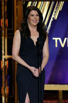 Lauren Graham Photos - Actress Lauren Graham speaks onstage during the 2015 TV Land Awards at Saban Theatre on April 2015 in Beverly Hills, California. - 2015 TV Land Awards - Show Lorelai Gilmore, Gilmore Girls, Peter Gallagher, Amy Sherman Palladino, Jane Levy, 2015 Tv, Lauren Graham, Tv Awards, Mandy Moore