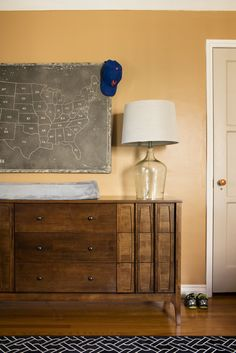 """Track the places you've been and learn a little bit too with the vintage inspired """"faux chalkboard"""" Map of the States Canvas! Equally perfect for a kid's room o"""