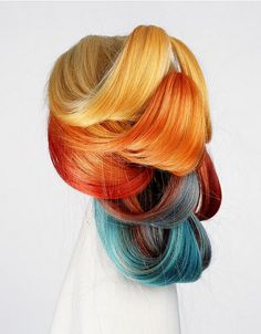 Sunset scheme hair color. I went for this look once, but I couldn't find a good turquoise. I want to try this again!