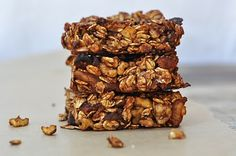 Cocoa Orange Granola Bars 1 1/2 cups regular rolled oats 1/2 cup chopped walnuts 1/4 teaspoon salt 1 teaspoon cinnamon 1 tablespoon unsweetened cocoa powder 1 tablespoon grated orange peel 3/4 cup dried fruit (e.g. apricots, raisins, dates)  1 1/4 cup orange juice  2 tablespoons honey