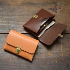 豆差し名刺入れ(KV-1) Leather Card Case, Leather Wallet, Leather Bag, Leather Tutorial, Leather Design, Leather Accessories, Leather Working, Leather Purses, Smartphone