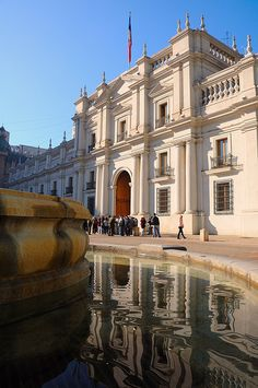 Palacio de La Moneda, Santiago, Chile by iancowe, via Flickr