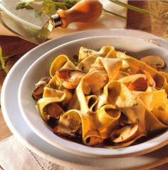 Ribbon Noodles with Creamy Mushroom Sauce • Original and Authentic German Recipes
