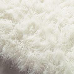 Tapis en fausse fourrure blanc 140 x 200 cm OUMKA