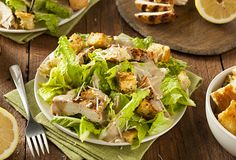 Classic Caesar Salad with crisp homemade croutons and a light caesar dressing – for when you want to impress your dinner guests. Pasta Recipes, Salad Recipes, Cooking Recipes, Protein Rich Diet, Lemon Chicken Pasta, Classic Caesar Salad, Wheat Pasta, Morning Food, How To Cook Pasta