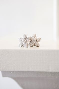 To see more gorgeous details about this wedding: http://www.modwedding.com/2014/11/19/outdoor-connecticut-wedding-shot-by-tanya-salazar-photography/ #wedding #weddings #earring