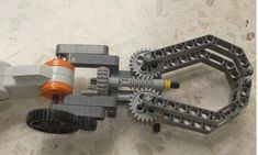 Classroom Robotics: Claws lego NXT - Lego Arm                                                                                                                                                      More