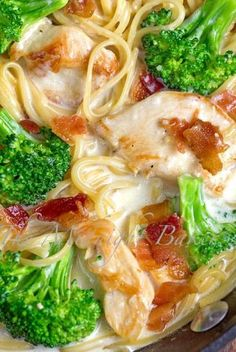 Chicken Broccoli Alfredo! Dinner recipe for an easy casserole!