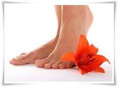 Temos de mimar os nossos pés, eles aguentam diariamente com o nosso peso, ando em sapatos nem sempre muito confortáveis.Todas queremos os nossos pés lisinh