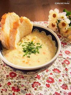 ドイツ風じゃがいものスープ ~ 簡単ver. Creamy Tomato Pasta, Breakfast Dishes, Soups And Stews, Food Photo, Cheeseburger Chowder, Tofu, Soup Recipes, Lunch, Meals