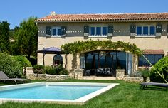 Joucas, Provence Holiday Rental House With Pool - La Bastide de Rosemarie | www.theluberon.com