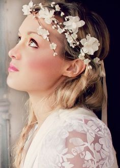 Pure and Sweet .. This beautiful flower crown cascades to one side with scattered flowers. @deloop