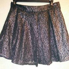 Skirt Jessica Simpson black and silver skirt pleaded Jessica Simpson Skirts Circle & Skater