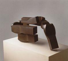 Toki (1969)  Eduardo Chillida