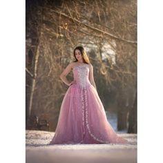 """""""Lauras dans på isen"""" Mørk gammelrosa prinsesse balkjole med krystal overdel"""