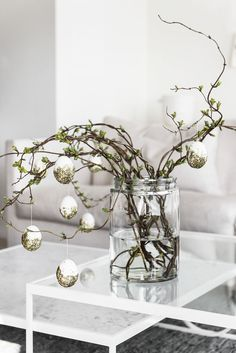 [New] The Best Home Decor (with Pictures) These are the 10 best home decor today. According to home decor experts, the 10 all-time best home decor. Easter Tree, Easter Wreaths, Hoppy Easter, Easter Gift, Diy Easter Decorations, Flower Decorations, Diy Osterschmuck, Easter Festival, Easter Egg Designs