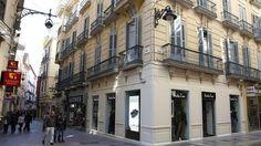 La tienda se encuentra en la esquina de las calles Especería y Nueva.