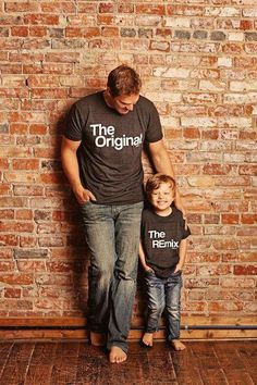 Fathers Day Gift Matching Family Shirts Original and Remix Matching Shirts Shirts Match Family Shirts Dad Shirts Son Shirts T-shirt Set - Family Shirts - Ideas of Family Shirts - Väter Tag Geschenk passende Familie T-Shirts von KaAnsDesigns Papa Shirts, Dad To Be Shirts, Father And Son Shirts, Fathers Day Shirts, Father Son Gifts, Father Son Matching Outfits, Father Son Quotes, Funny Fathers Day, Mini Me
