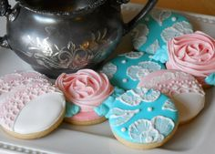 These vintage inspired cookies will dress up any dessert table. Perfect for weddings and Bridal Showers.  $2.00 each (for size shown here, ask about additional shapes and sizes)