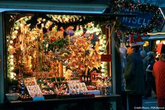 Vitrine d'une échoppe au marché de Noël de Colmar