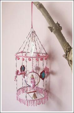 Lieve handgemaakte vogelkooi !♡Kinderkamer ♡meisjeskamer♡www.huisvolliefde.nl