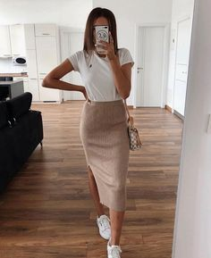 80 Cool And Stylish Summer Outfits With Skirts For Teens Stylish Summer Outfits, Winter Fashion Outfits, Cute Casual Outfits, Look Fashion, Stylish Outfits, Spring Outfits, Womens Fashion, 70s Fashion, Fashion Clothes
