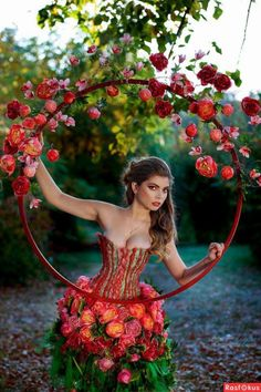 beautiful woman, garden, and dress resmi Floral Fashion, Fashion Dresses, Pink Fashion, Mode Baroque, Fairy Clothes, Girls With Flowers, Fairy Dress, Halloween Kostüm, Flower Dresses