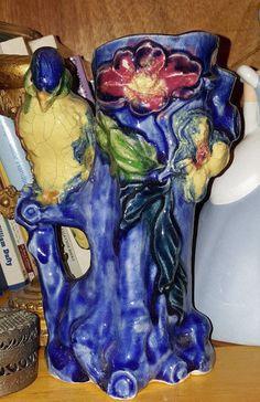 estate auction Majolica style vase /vessel  no flaws  parrot / bird