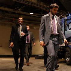Hockey players in suits: Patrice Bergeron, Tyler Seguin & the rest of the B's head to the locker room before round 2 playoff game 3 win at NY Rangers Hot Hockey Players, Nhl Players, Hockey Teams, Sports Teams, Stars Hockey, Ice Hockey, Patrice Bergeron, Tyler Seguin, Suits 5