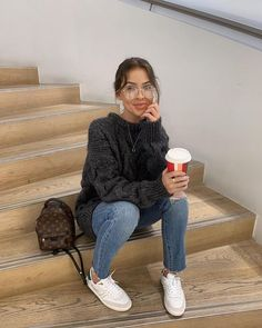 Glasses and casual outfit Trendy Outfits, Cute Outfits, Fashion Outfits, Hipster Fall Outfits, Casual Teen Fashion, Style Fashion, Fall Winter Outfits, Autumn Winter Fashion, Cold Weather Outfits Casual