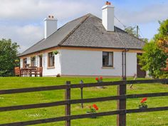 Ireland Bargain Cottage Breaks available for less than £200 for a 7 night break. Hurry Ends March 2015. - Killorglin Cottage is a lovely cottage three miles from Killorglin and Milltown in County Kerry. With three bedrooms, a double, a twin and a single, it sleeps five comfortably. There is also a shower room, kitchen, dining room and sitting room with open fire. Outside there is a front lawned garden, and ample off road …
