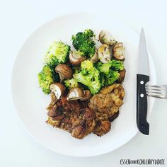 Low Carb Rezept für leckere Hähnchenbrust mit Gemüse. Wenig Kohlenhydrate und einfachzumNachkochen.Super für Diät/zum Abnehmen.