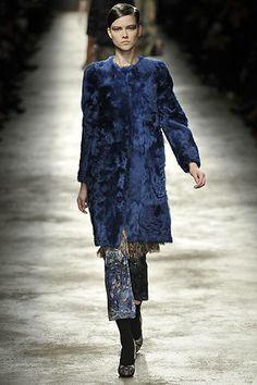 Dries Van Noten Fall 2008 Ready-to-Wear Fashion Show - Kasia Struss (Women)