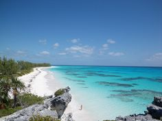 Got Bahamas on your travel wish list? Take a tour of one of Bahamas' most popular beaches: Lighthouse Beach. Where to go, what to do, what's the weather. Grab your beach 411 ! Eleuthera Bahamas, Most Beautiful Beaches, Future Travel, Where To Go, Vacation Spots, Lighthouse, Caribbean, Photo Galleries, National Parks