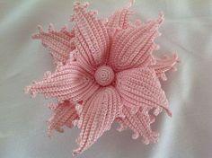 Watch The Video Splendid Crochet a Puff Flower Ideas. Phenomenal Crochet a Puff Flower Ideas. Crochet Puff Flower, Crochet Leaves, Crochet Flower Patterns, Love Crochet, Irish Crochet, Crochet Motif, Diy Crochet, Crochet Flowers, Freeform Crochet