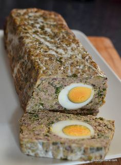 Drob traditional de miel reteta veche pas cu pas | Savori Urbane Jacque Pepin, Cooking Recipes, Healthy Recipes, Healthy Food, Romanian Food, Meatloaf, Food To Make, Food And Drink, Appetizers