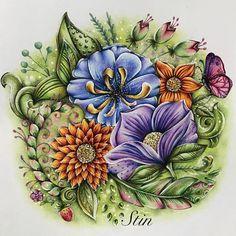 Es wird blumig   ••••••••••••••••••••••••••••••••••••  #meinfrühlingsspaziergang #ausmalbuch #ausmalbuchfürerwachsene #ausmalen #ausmalenfürerwachsene #kolorieren #prismacolor #prismacolorpremier #book #coloringbook #colorieren #coloring #hobby #fun #nofilter #done #blumen #flowers #poscamarker #fineliner