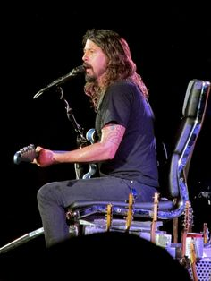 thewayfindsyou:    Dave Grohl by Lara (Larissa)... | Lunchtime Foo - フーファイめし