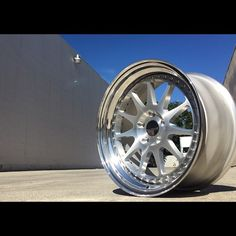 GRB04 18x9.0 2.5inch Outer Lip  Center : Brushed Clear Outer Lip : Hi-Polished Hardware : Chrome  One of best classy set up.  #PokalWheels #PokalCustomFelgen  #GRB04