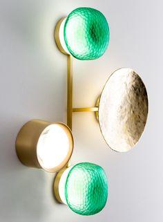 Итальянская студия Giopato & Coombes в рамках Миланской недели дизайна представила коллекцию светильников, исполняющих роль драгоценных украшений для дома.
