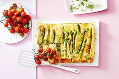 Asparagus and ricotta baked frittata tart Easy Frittata Recipe, Baked Frittata, Frittata Recipes, Family Meal Planning, Family Meals, Tart Recipes, Cooking Recipes, Savoury Recipes, Egg Recipes