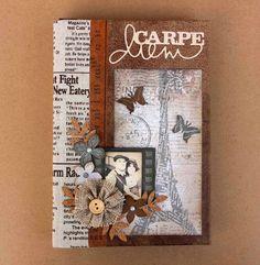 Album Vintage, Vintage Scrapbook, Mini Albums Scrap, Mini Scrapbook Albums, Minis, Paper Bag Album, Card Making Designs, Altered Book Art, Album Book