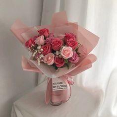 Boquette Flowers, Flower Bouquet Diy, Beautiful Bouquet Of Flowers, Luxury Flowers, Romantic Flowers, My Flower, Planting Flowers, Beautiful Flowers, Vintage Flowers
