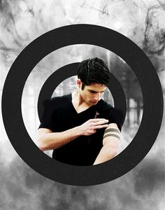 Read Scott Mccall from the story Mejores momentos teen wolf by with 716 reads. Teen Wolf Scott, Tyler Posey Teen Wolf, Wolf Tyler, Scott Mccall, Teen Wolf Tumblr, Stydia, Sterek, Tyler Posey Tattoo, Tatuagem Teen Wolf
