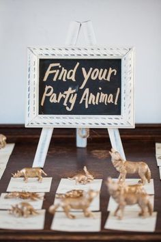 animal themed escort cards, unique escort cards, fall wedding escort card inspiration  | birds of a feather photography