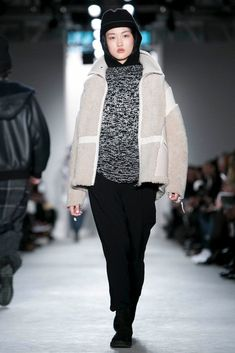 A look from the Public School Fall 2015 RTW collection. Live Fashion, Fashion Show, Fall Winter 2015, Public School, Runway Fashion, Ready To Wear, Fashion Photography, Winter Jackets, New York