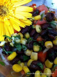 Black Bean Salsa with red wine vinegar, cilantro, and roma tomatoes Black Bean Corn Salad, Black Bean Salsa, Mexican Food Recipes, Healthy Recipes, Eat Healthy, Yummy Recipes, American Dishes, Dessert Drinks, Sauces
