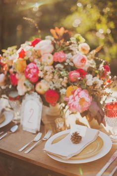 fall wedding tablescape // photo by Nessa K, styling by Sarah Park Events // http://ruffledblog.com/apple-orchard-wedding-inspiration